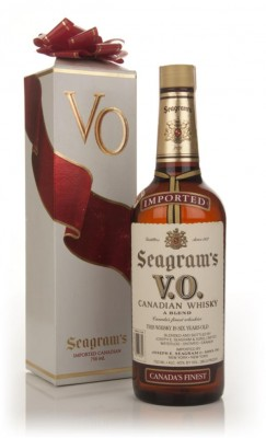Seagram's V.O. 6 Year Old - 1983 (Christmas Packaging) Blended Whisky